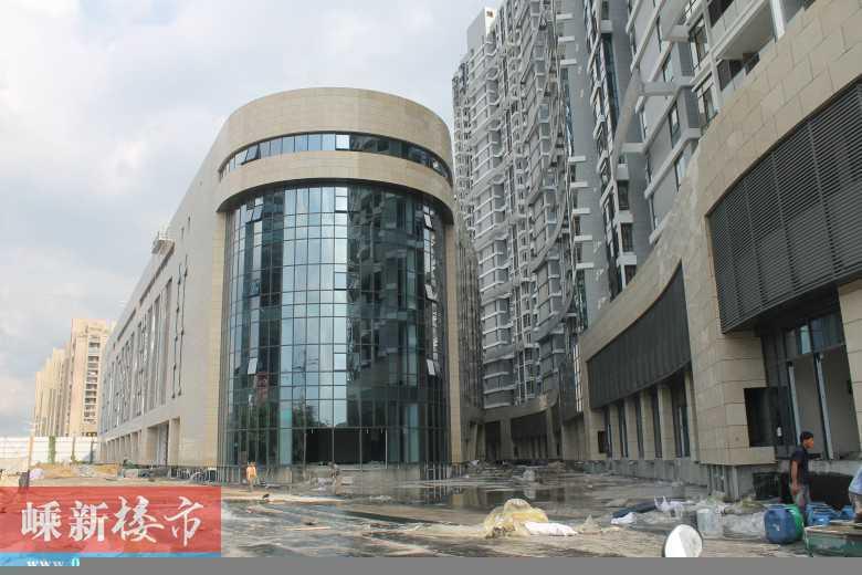 出租正大新城国际18楼118方,设备齐全拎包入住2500一个月