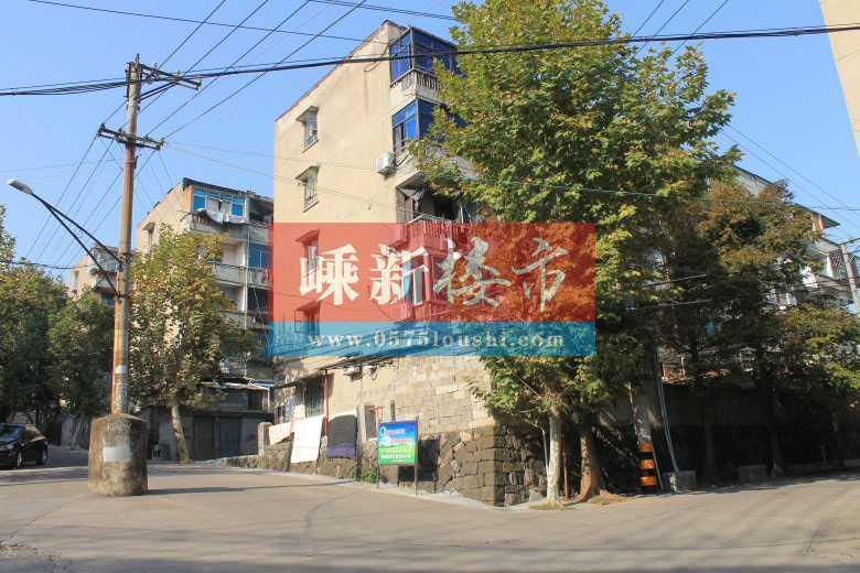 A05153出租北门新村低段4/5层,50平方米,2室1厅1厨1卫,车棚一个,月租金500元