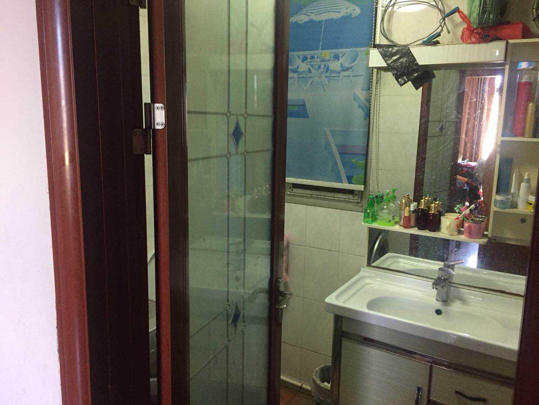 三江城领带城对面剡兴路4室一厅一厨一卫123平方
