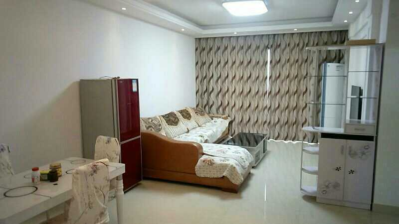 01282出租;正大新世纪7楼,面积89平方,二室两厅一厨一卫,方向朝南,精装修的实拍照片