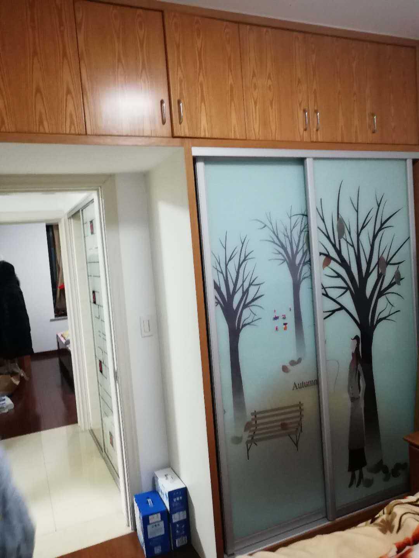 【暂时不卖】02183出售:金湾国际5幢11楼(总13楼),面积89平方,3室2厅,中档装修,南北通透无遮挡,车棚一间的实拍照片