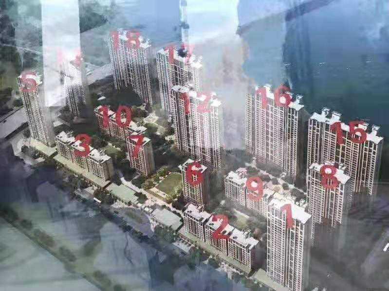 0316:出售吾悦华府江景房26楼,面积125平方,三室两厅二卫,房产证已做,都带车位毛坯