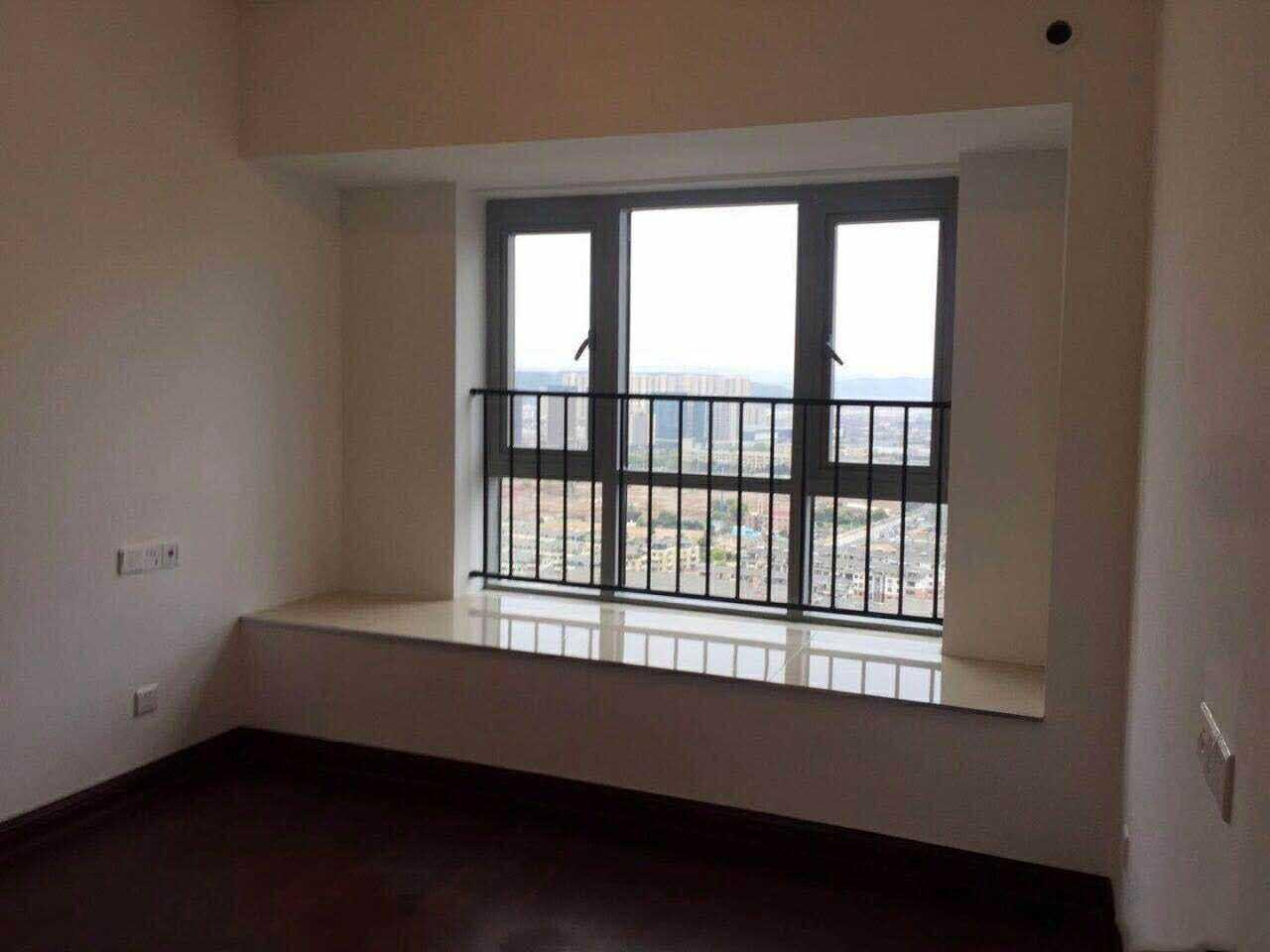 04188:出售碧桂园27楼,面积94.65平方,三室两厅一卫,的实拍照片
