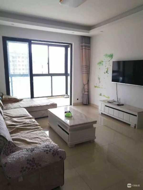 04287出租 正大新世界10楼87平方,两室两厅 ,精装修拎包入住包括物业费。 的实拍照片