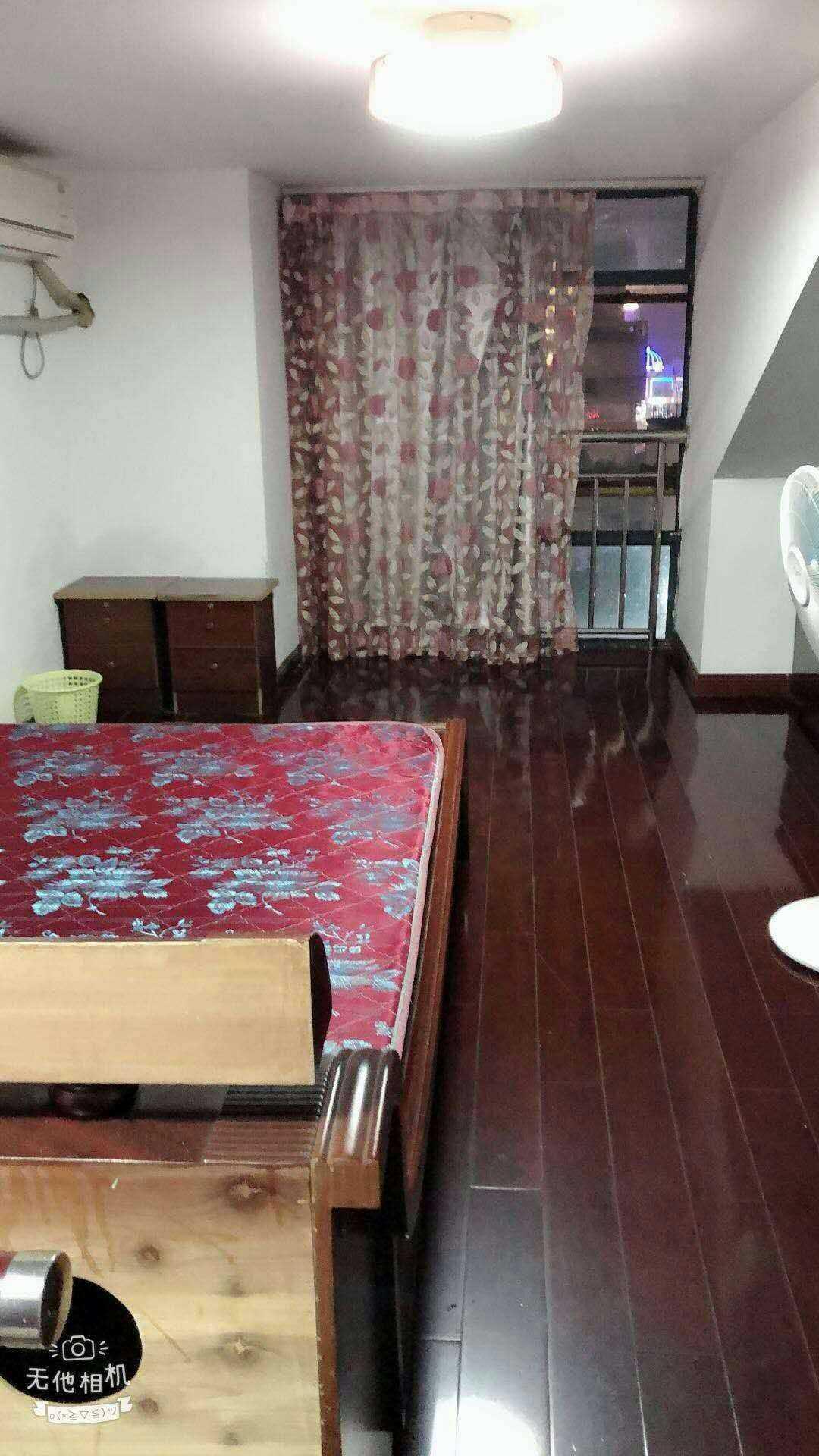 05029出租 鹿鸣花园5楼复试两室两厅精装修,拎包入住,2000/月的实拍照片