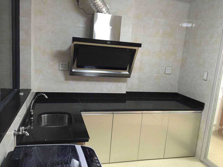 05031出租富民大厦单身公寓全新装修,面积41平方,一室一厅一厨一卫,朝南,有网络,拎包入住的实拍照片