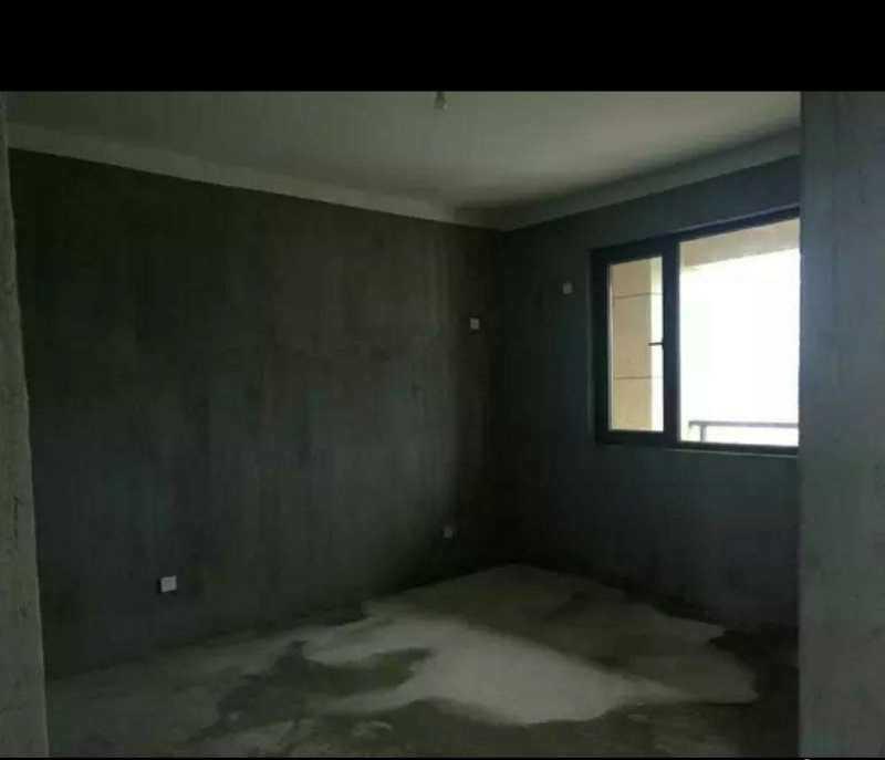 05041出售君悦新天地32楼,135平方,3室2厅2卫,毛坯,的实拍照片