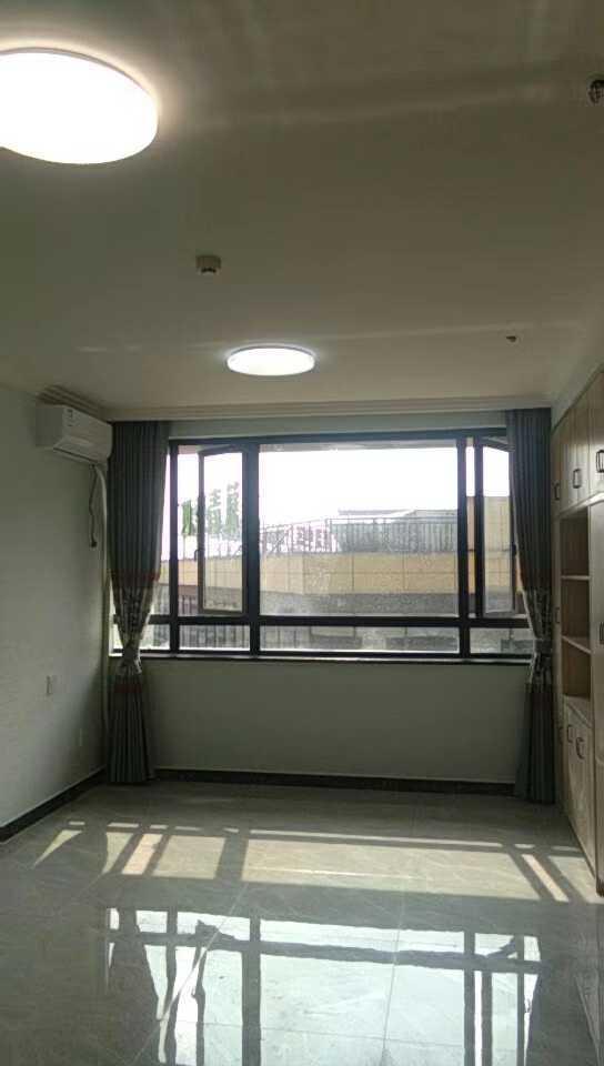05071和悦单身公寓出租面积52平方阳光充足停车方便设施齐全可拎包入住1室1厅1卫7楼的实拍照片