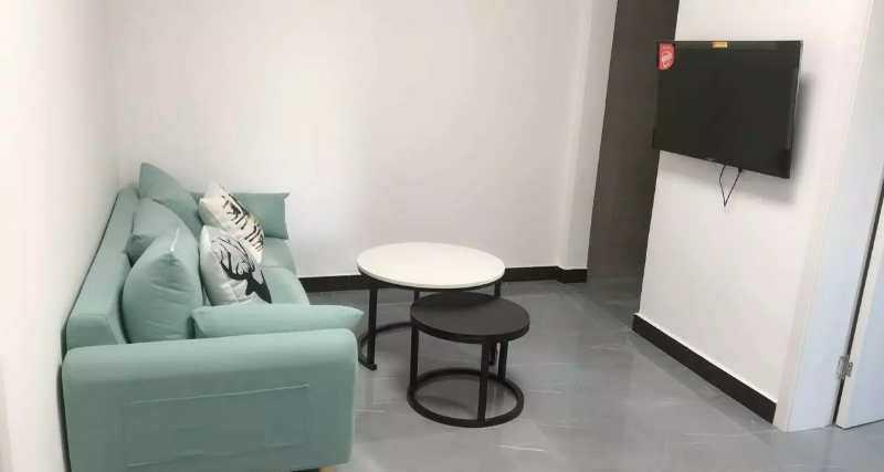 05091出租君悦新天地10楼套房,二室一厅一厨一卫,精装修,家电齐全,拎包入住,年付可以优惠的实拍照片