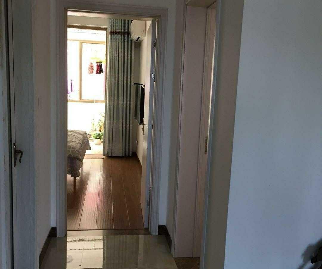 05132出售状元名苑4楼,89方,3室2厅1卫,精装修,99.8万,价格可谈的实拍照片
