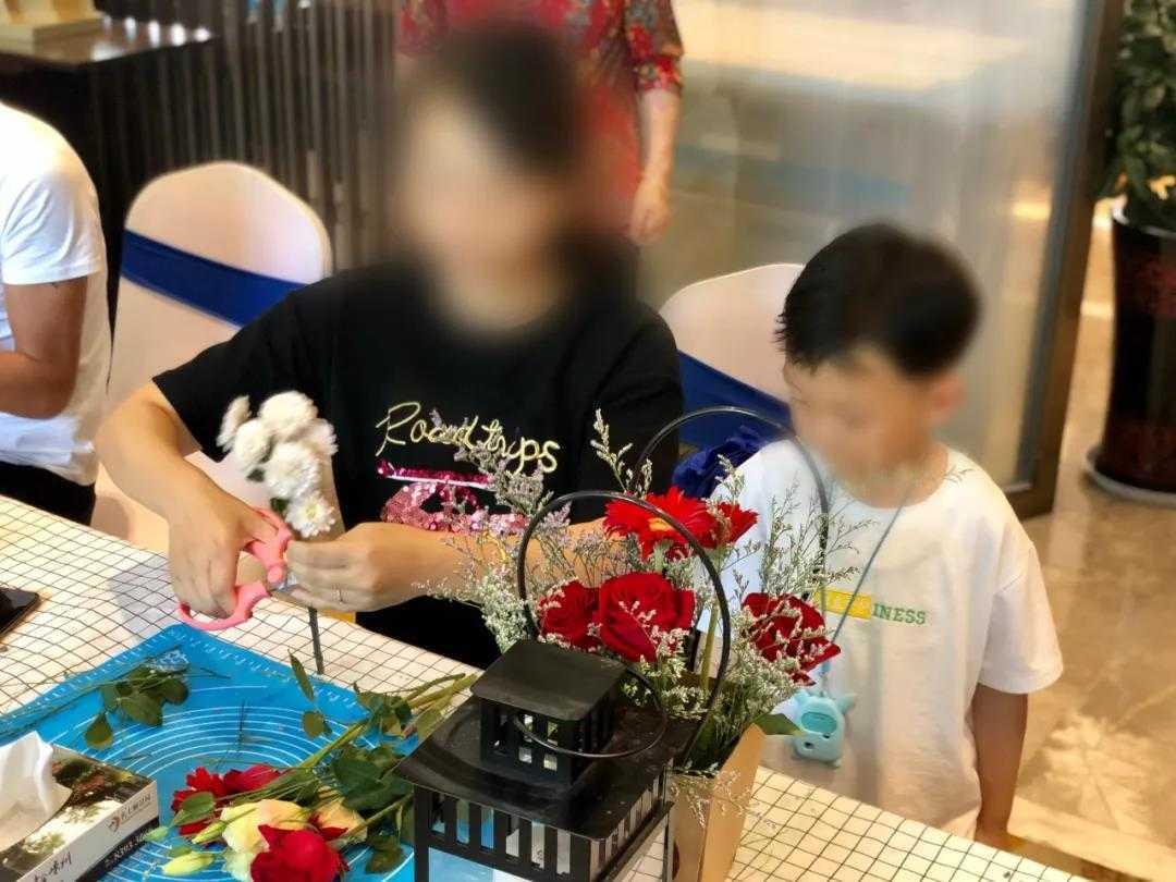 鲜花物语,感恩母爱!名士颐景园母亲节插花DIY圆满落幕!