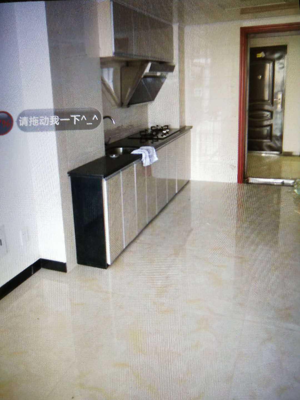 05153出租信源国际复式公寓,60+60平方,12楼朝北,楼上三个房间,楼下一个卫生间,精装修拎包入住,2000元的实拍照片
