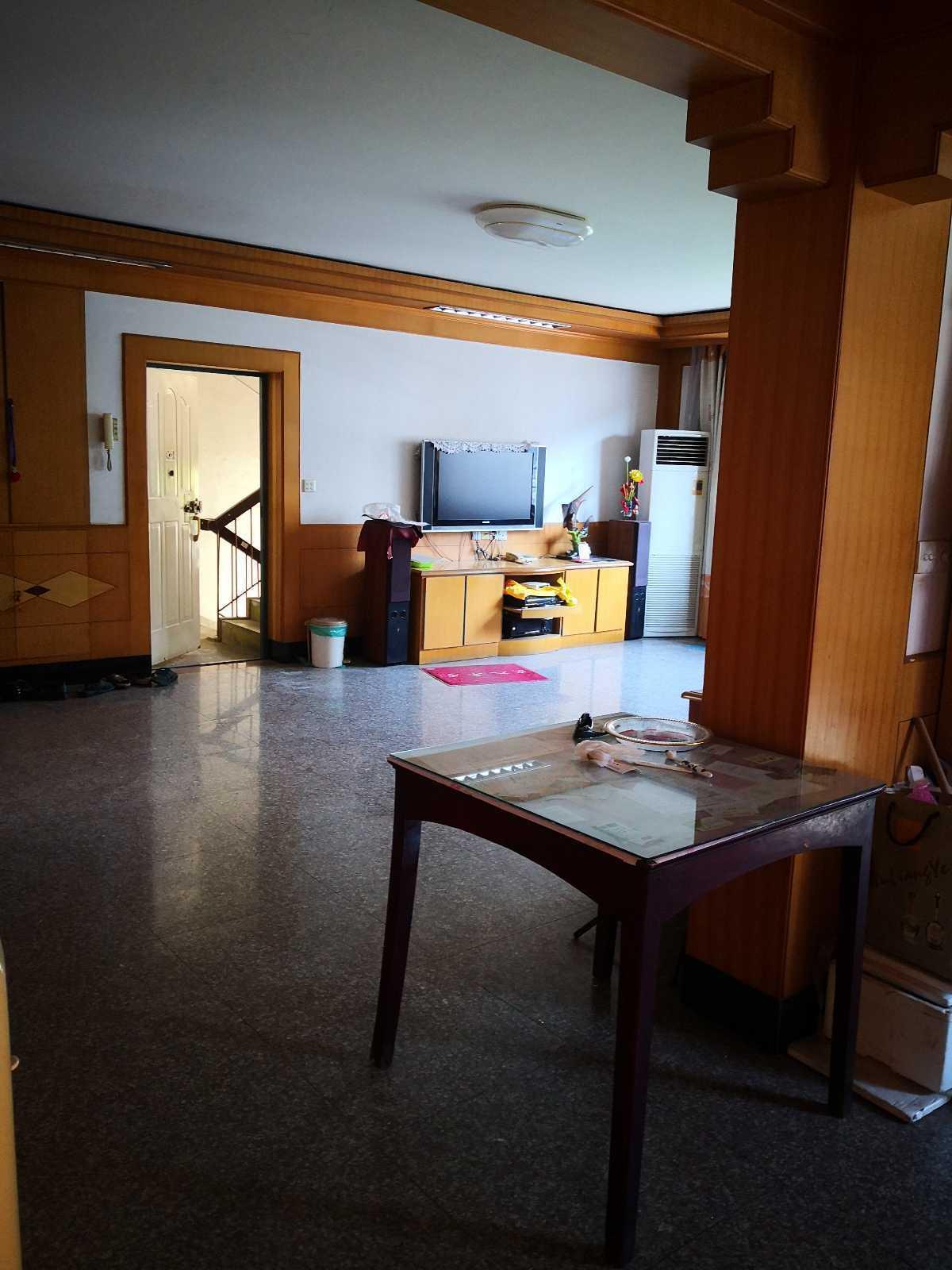 05028市区西前街剡山小学对面4楼,157平方,3室2厅2卫,中等装修,剡山小学马中学区,马上可报名的实拍照片