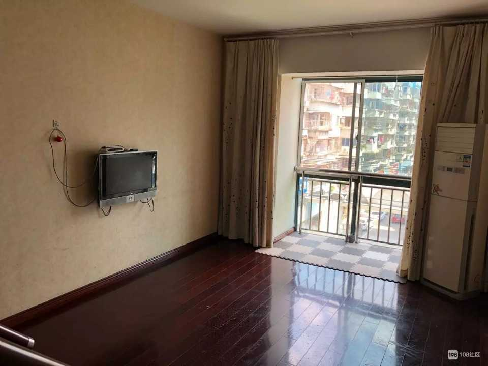 06032出租鹿鸣花苑复式公寓,4+5楼的实拍照片