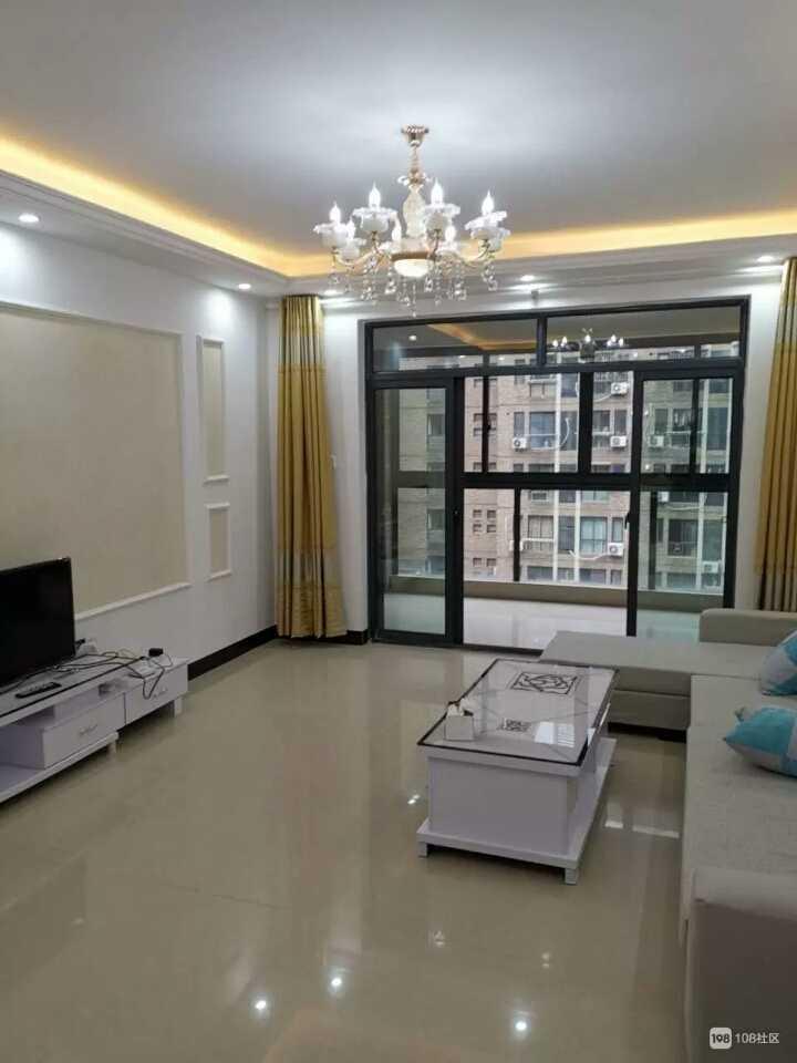 06055出租  金樽名邸6楼,三室一厅一厨二卫,带车棚,全新精装修,家电齐全,拎包入住的实拍照片