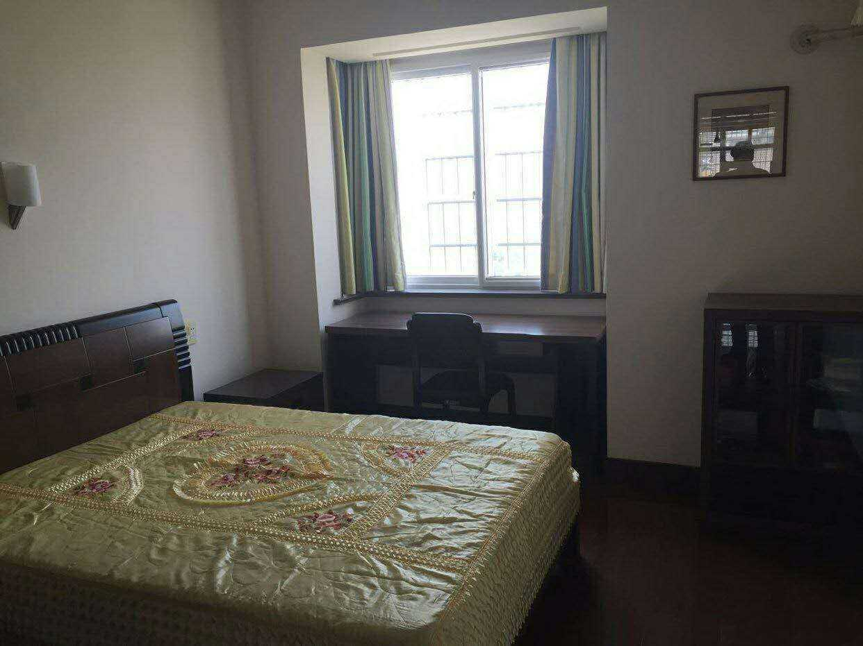 04212:出售剡山小学剡城公寓9楼(总楼层11楼),面积149平方,三室两厅两卫,豪华精装修的实拍照片