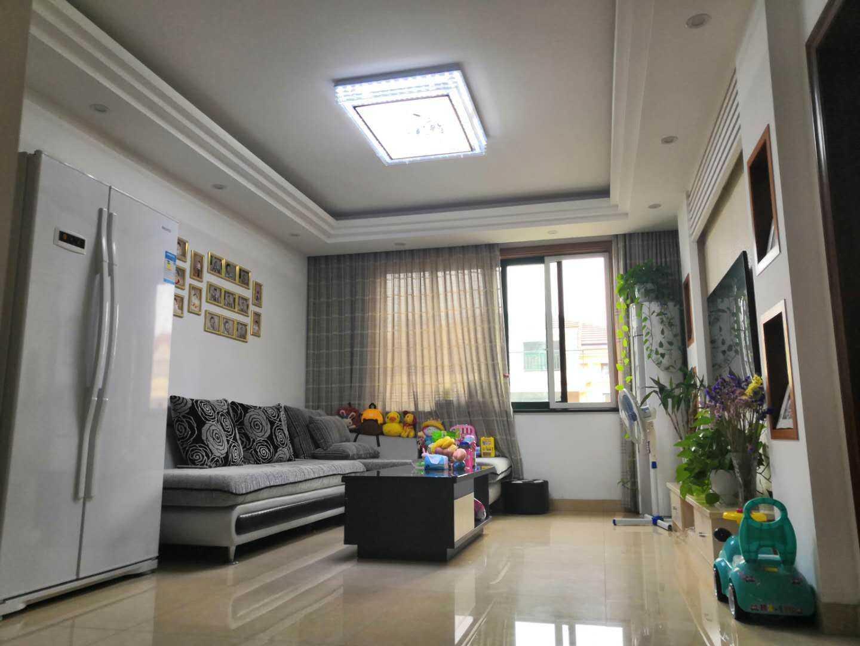 0302急售枫桦名邸6楼 76方 朝南精装修 房产证面积118方的实拍照片