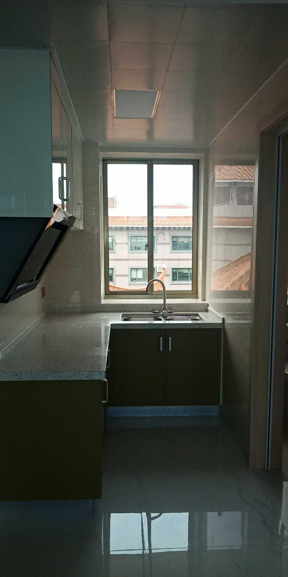 06131出售北直街艺术村对面5楼,60平方,两室两厅一厨一卫,全新现代装修,车棚一个,,城北小学城关中学,46.8万的实拍照片