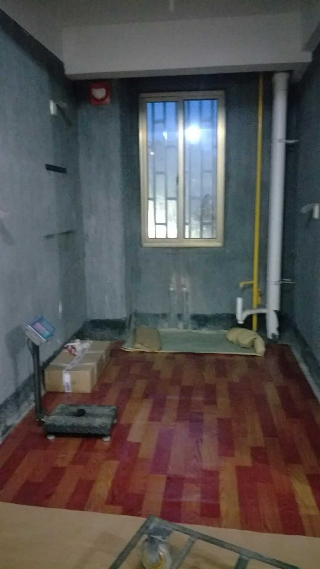 07032暂不售出售城北状元名苑学区房9楼,简装(卫生间做好,窗帘安好有床,其他无),88平方,3室一厅2阳台的实拍照片