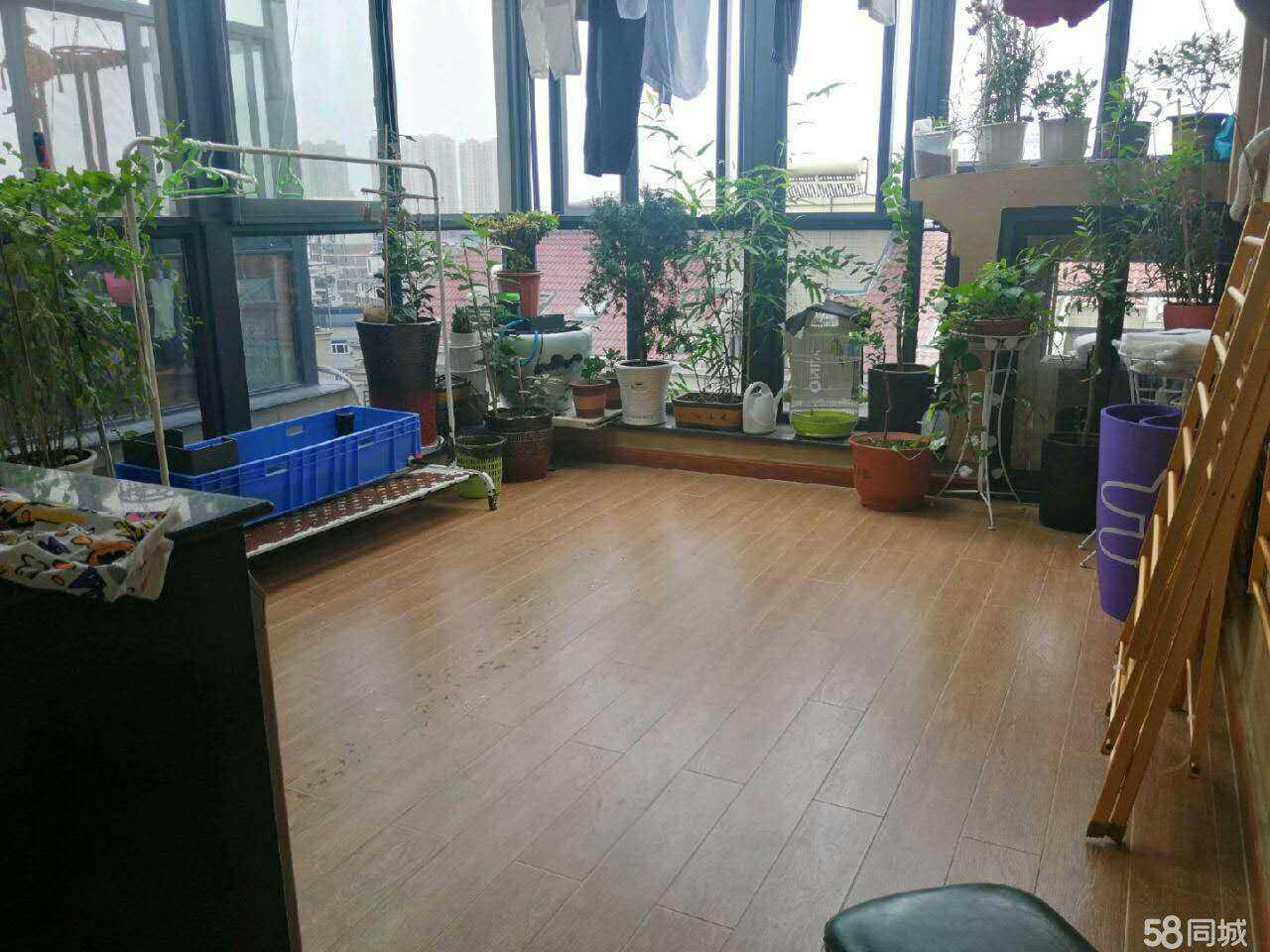 07057出售云溪香山5+6复试143平方,三室三厅两卫,豪华环保精装修,加一个露台屋顶花园的实拍照片