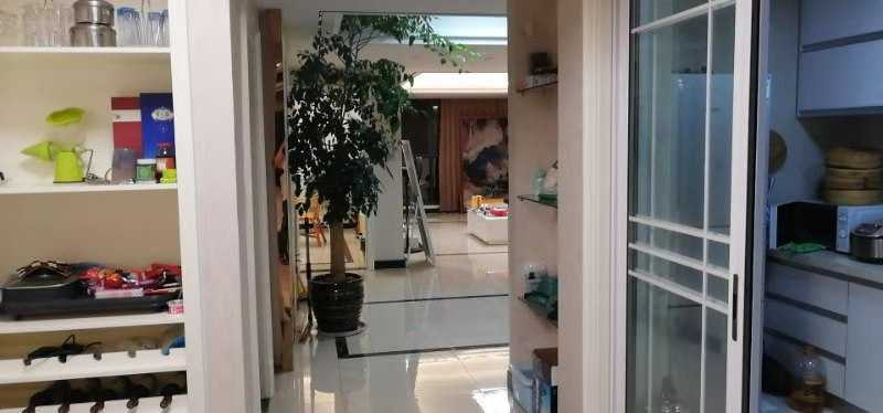 07057出售云溪香山5+6复试155万,实用面积180方,有车棚,,三室三厅两卫,豪华环保精装修,加一个露台屋顶花园的实拍照片