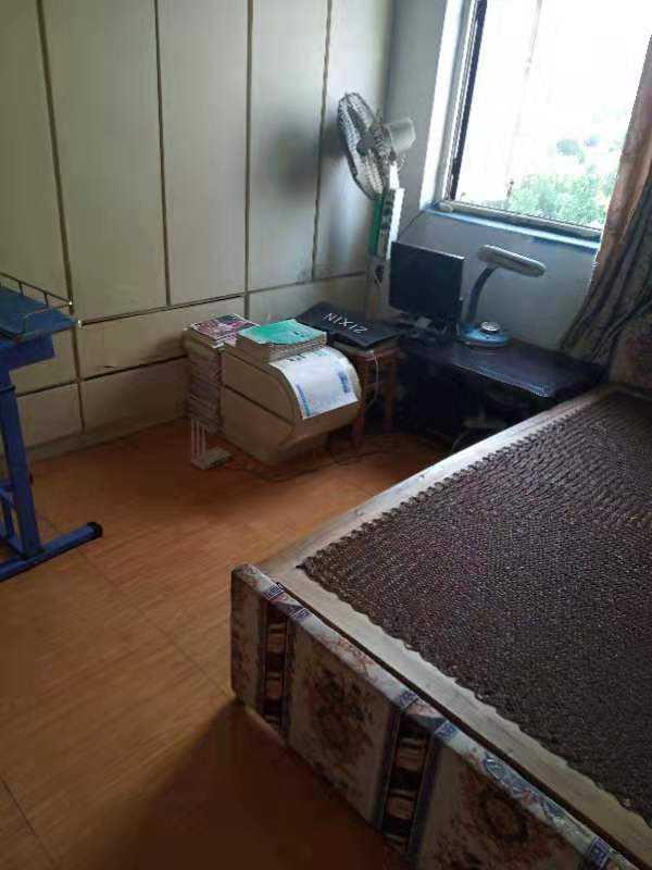 0821出售三江超市边6楼学区房