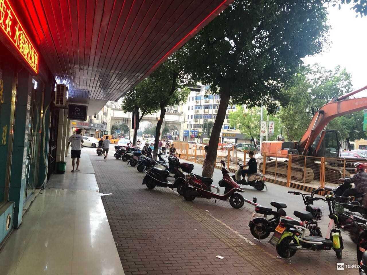 店面转让三江城城门口交通银行边