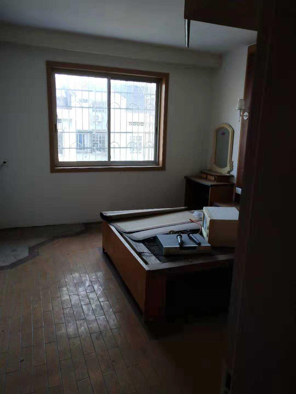 08233出售学区房剡山小学边,卫生防疫站对面,面积89.22平方,6楼