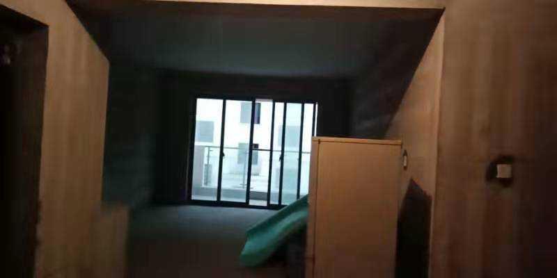 09052暂时不卖出售城北东豪家园3楼,140平方,3室2厅,前后阳台,加一车库,毛坯,城北小学城关中学,一口价115.8万
