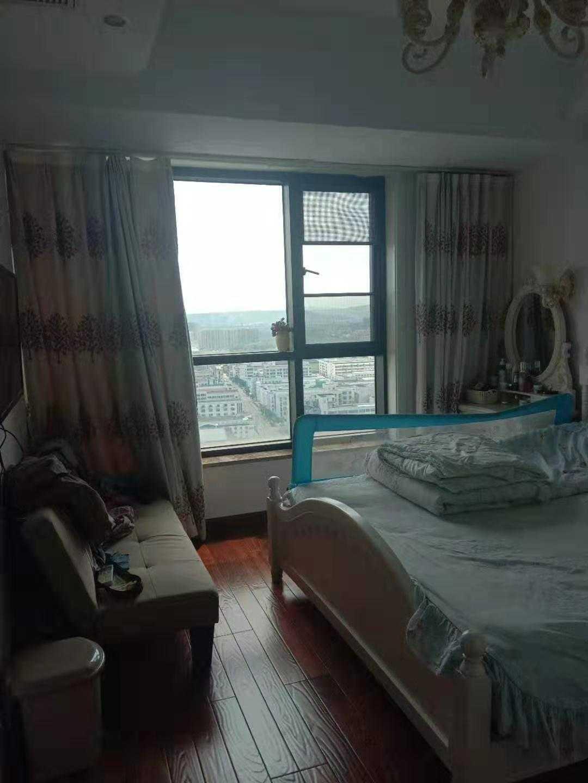 09074急出售玉兰花园27楼,88.7平方,高档装修,家电家具全送,价95万.可按揭