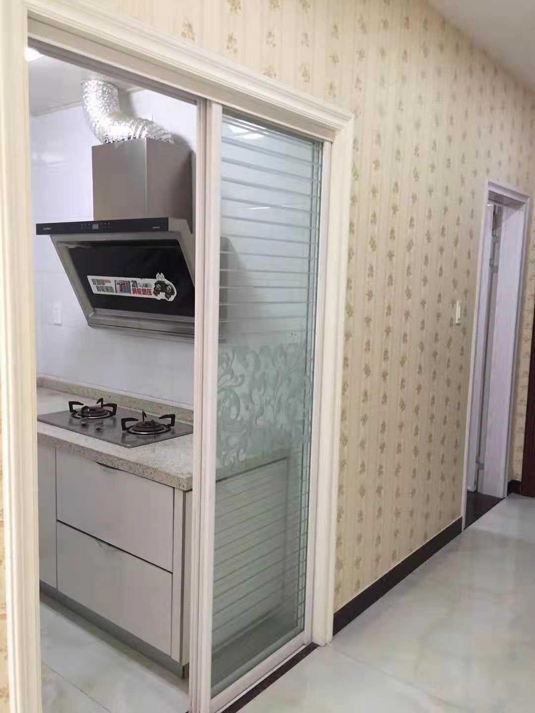 09064出租金樽单身公寓48方  朝南  1室1厅1厨1卫  设施齐全,拎包入住,长短租都可以   同样的有两套出租,2000元/月的实拍照片