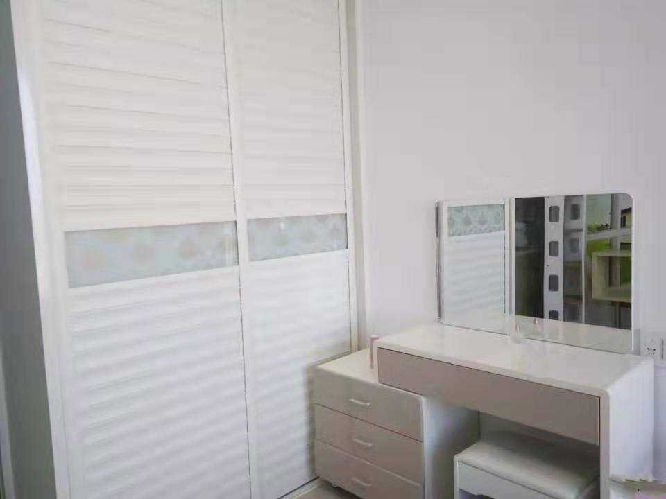 09093出售吾悦单身公寓44平方,19楼,精装修  售价39万的实拍照片