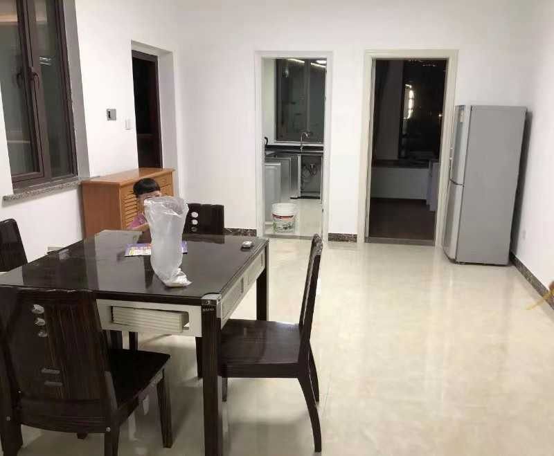 08303出租君悦新天地3楼  123平方 三室两厅一厨两卫,精装电齐全  3000/月 整年租可以包物业的实拍照片
