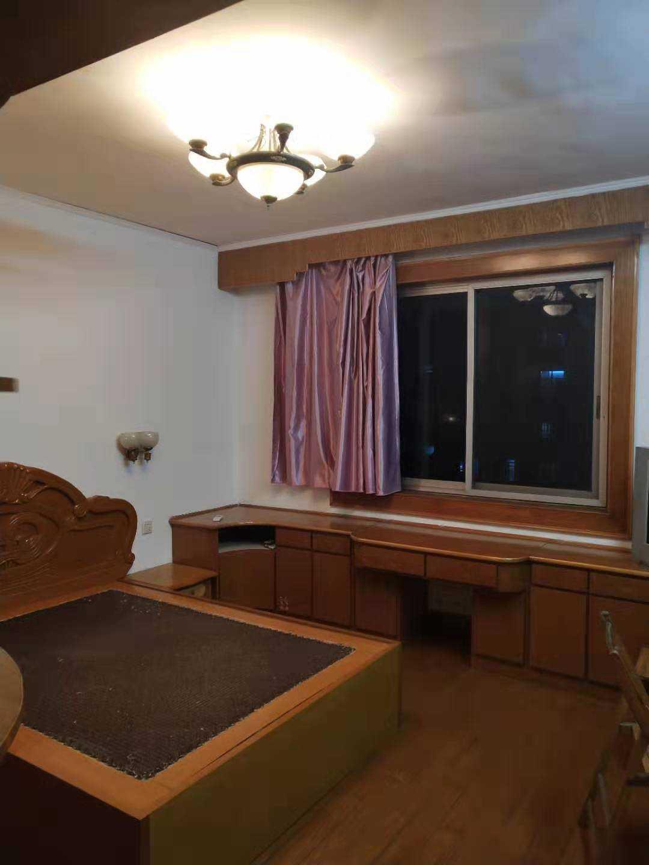 09056出售城北客运中心边安平东路4/6楼  96平方  三室一厅一卫  简装修  阳光一天到晚,城北城关双学区,售价71.8万的实拍照片