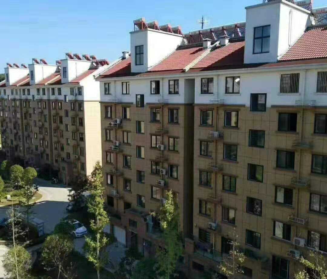 10051出售城东东方豪庭2楼,产证97.34方,3室2厅1卫,小区最里面一排离高速远,单阳台,产证满2年,车棚无,67.8万可谈的实拍照片