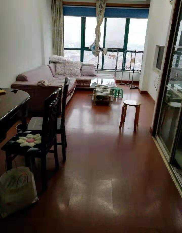 10052出售城西滨江花园小区复式8+9,47+47方,东边套阳光好,2室1厅2卫,城南马中可读,电梯房,房子墙体阳台改造后比别人的大,中等装修,停车方便,60万