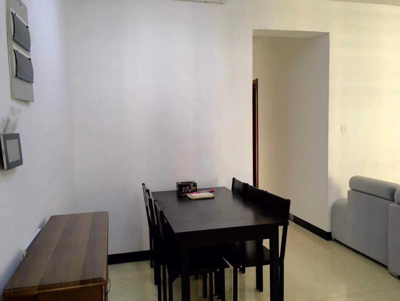 10071出售玉兰花园19/30楼 89平方 3房2厅1卫  南北双阳台  中装  售价88.8万的实拍照片