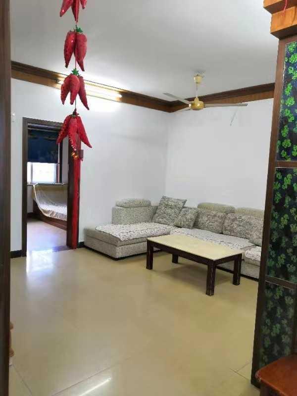 1001出售三江东街5楼,93方,3室2厅,抛光砖木地板,有后阳台,车棚一个,65万