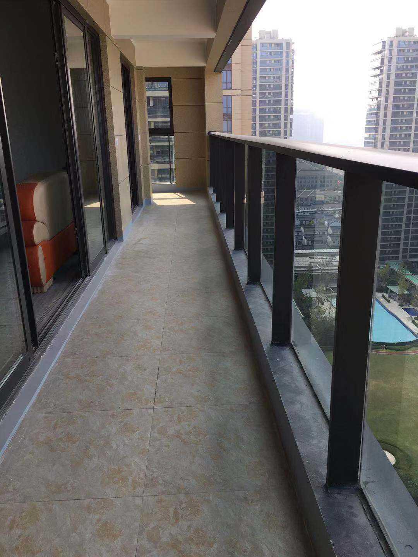 1023出租剡江越園22樓/24樓 面積133平方嶄新裝修 4-1-2  租金3200元/月(含車位一個,物業費由租客承擔)的實拍照片