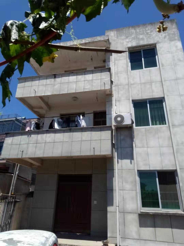 11063出售雅良村三层自建房,建筑面积250,土地面积130,有土地证,80万的实拍照片