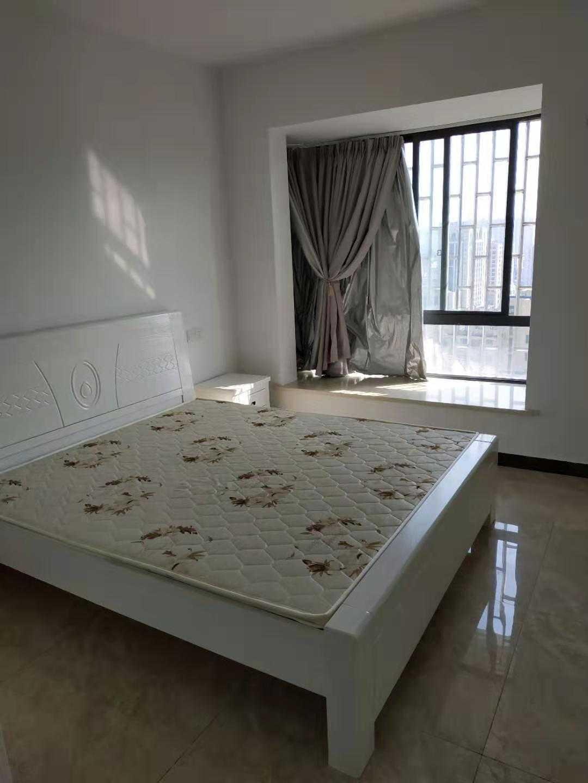 1112出租正大新世界7楼89方精装修2-2-1  租金2800元/月(含物业费)的实拍照片