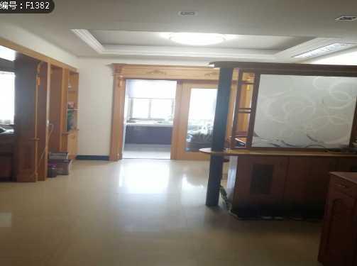 急售雙學區中醫院路3樓162方精裝修 3室3廳 2衛 售價99.98萬的實拍照片