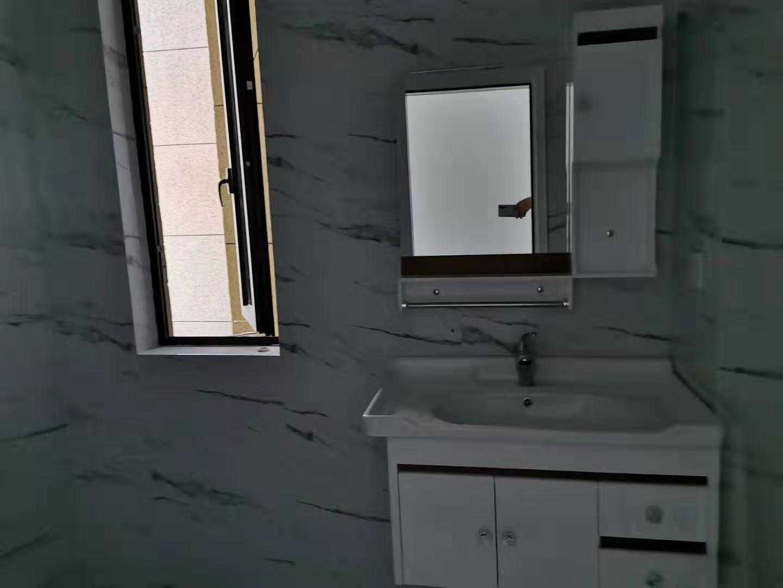 11194新房招租出租城南剡江越苑电梯房5楼,有两套,129平方,三房二厅二卫,南北阳台,带车位,装修好半年,第1次出租,全新家具,3000元/月,不包含物业费的实拍照片