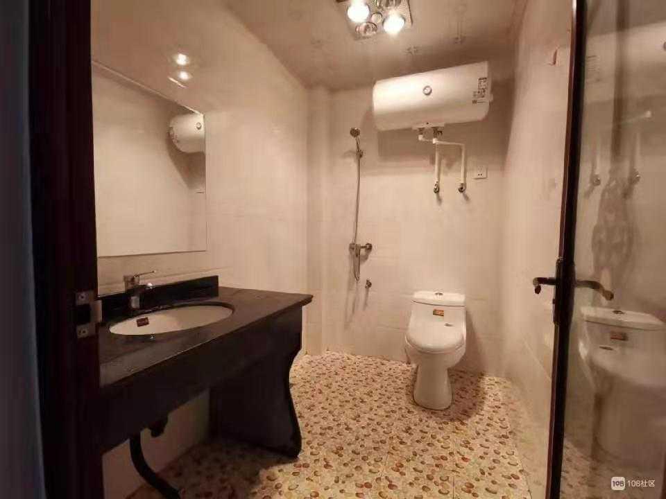 11184出租惠民街2楼朝北单身公寓,一室一卫一厨,拎包入住,精装,1050元的实拍照片