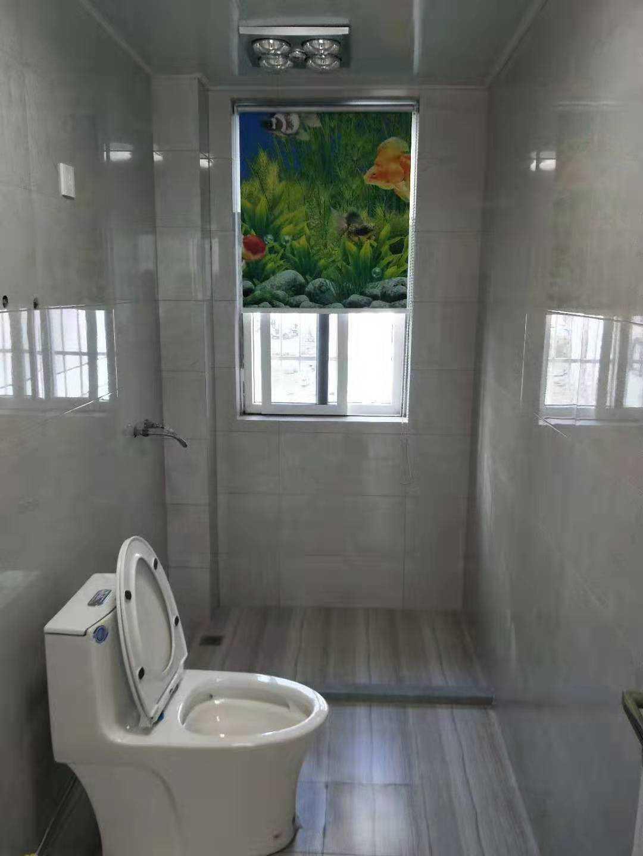 11292出售出租国公花园架一楼,134平方,3室2厅2卫 精装修 车棚2间 价格95万,出租2300元/月,年付2000元/月的实拍照片