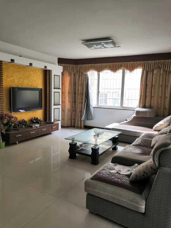 12023出售湖都花苑3/6楼,145平,精装修,三室二卫二厅,全现浇房,售价118.8万