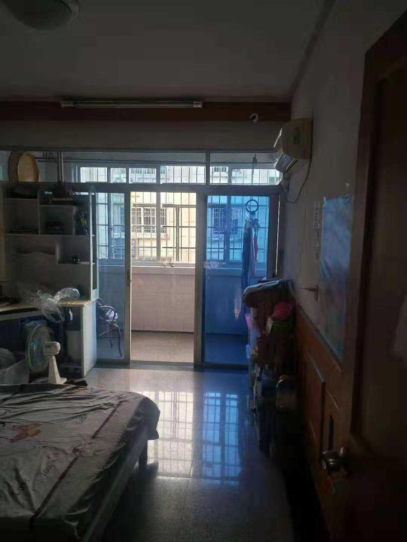 12137出售出租江滨新村5/6楼,105平方,三室二厅,三房朝南,车棚8平方售价76万,出租,2200元/月