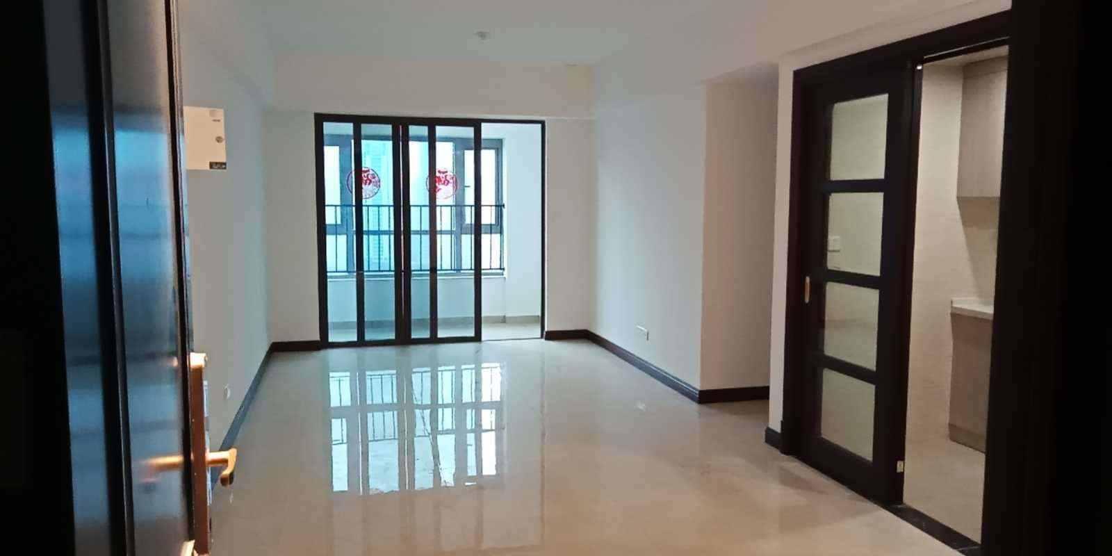 12281急售城南碧桂园江湾一号19/30楼,95平方,3室2厅,楼盘精装修,售102万
