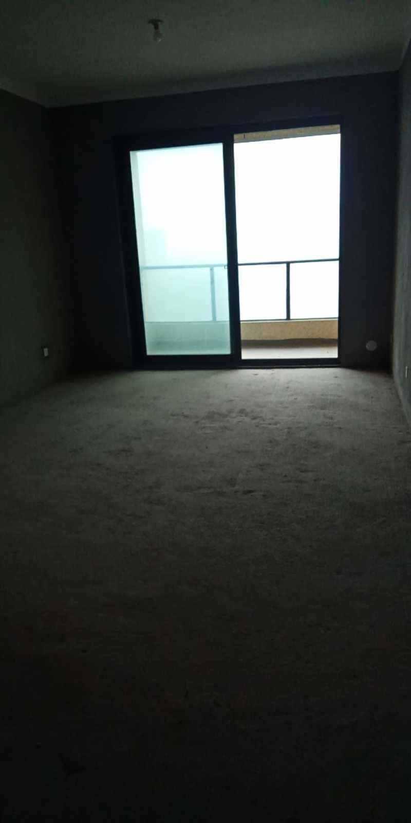 12284城南现房文慧苑21楼(顶楼)面积87平方,3室2厅,毛坯,现卖现住,一口价76.8万