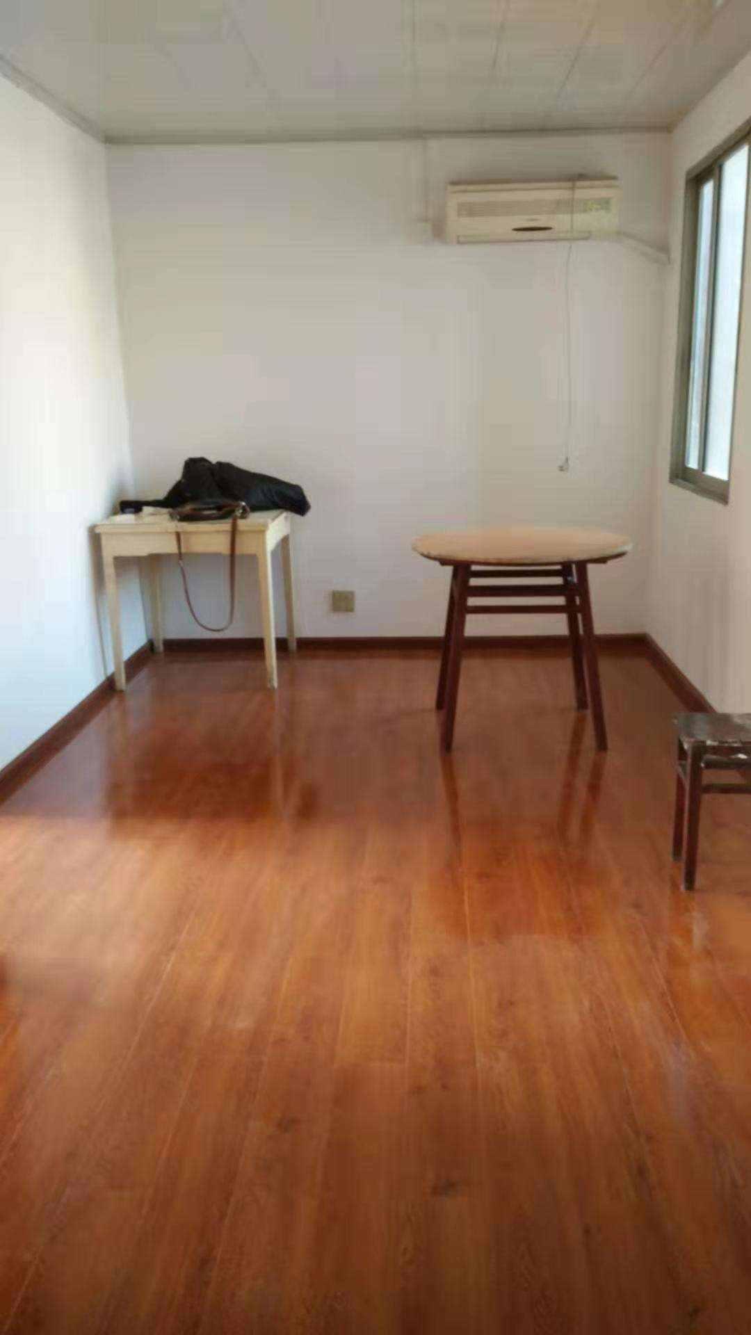 A01182越秀里5/6楼,68平方,2室1厅1厨1卫1储藏室,实用面积有70多方,车棚一只,售价53.8万